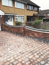 <h5>Paving and Driveways24</h5><p>Paving and Driveways in Coventry</p>