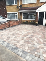 <h5>Paving and Driveways32</h5><p>Paving and Driveways in Coventry</p>