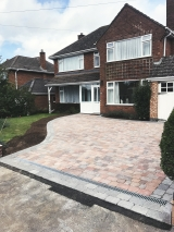 <h5>1Paving and Driveways</h5><p>Paving and Driveways in Coventry</p>